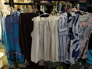 Women's tops size XL for Sale in Los Angeles, CA