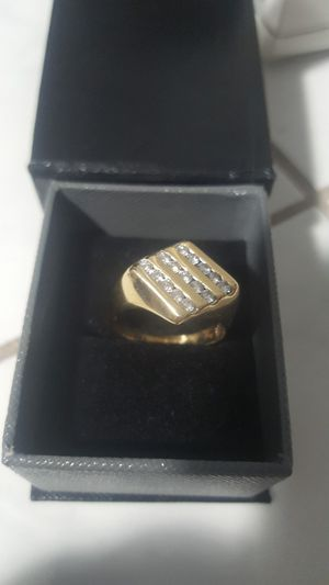 WAS $3,300!! BRAND NEW MAN'S CONTEMPORARY STYLE DIAMOND RING WITH CERTIFIED APPRAISAL (SEE PIC # 2 FOR SPECS) 14KT SOLID GOLD!!! for Sale in Providence, RI