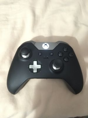 Xbox Elite Controller for Sale in Bloomington, CA