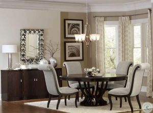 Dining Room Table and Chairs for Sale in Lakeland, FL