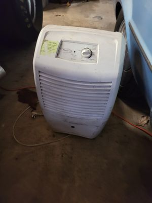 3 dehumidifier for parts for Sale in Glenarden, MD