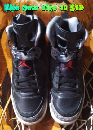 Like new men's size 11 Jordans black and color one of each size 11 for Sale in Las Vegas, NV