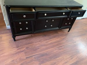 Dresser and mirror for Sale in Tulsa, OK