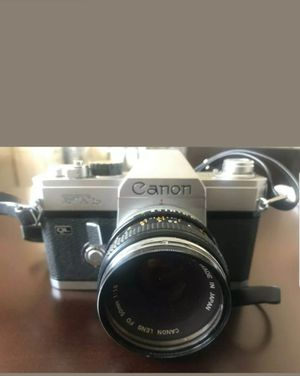 Canon FTb QL 35mm Film Camera 50mm 1:1.8 Lens & Sakar Auto 27B flash for Sale in Queens, NY
