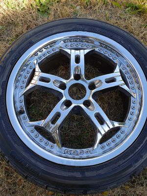 18 inch chrome rims for Sale in Phoenix, AZ