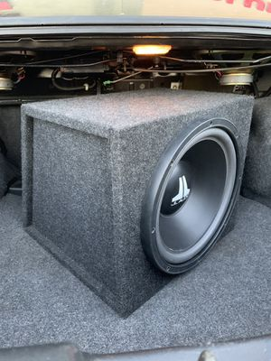 JL Audio 12W3V1-D2 sub in sealed wedge box for Sale in Tempe, AZ