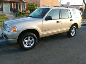 2004 FORD EXPLORER V6 for Sale in Los Angeles, CA