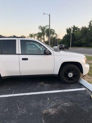 Se vende una Chevy Cruise blazer en perfectas condiciones ningún problema mecánico título limpio en mano la vendo porque quiero una troca 2008 tiene for Sale in Orlando, FL