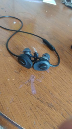 Bose blue tooth head phones for Sale in Bountiful, UT