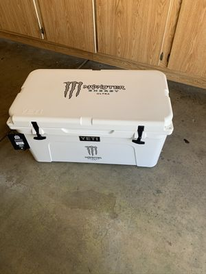 Yeti 65 Monster Cooler for Sale in Peoria, AZ
