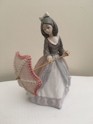 Lladro lady with umbrella porcelain figurine for Sale in Rancho Cucamonga, CA