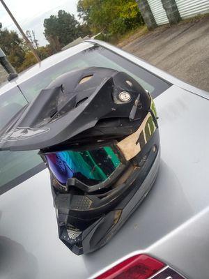 Helment goggles for Sale in Crewe, VA