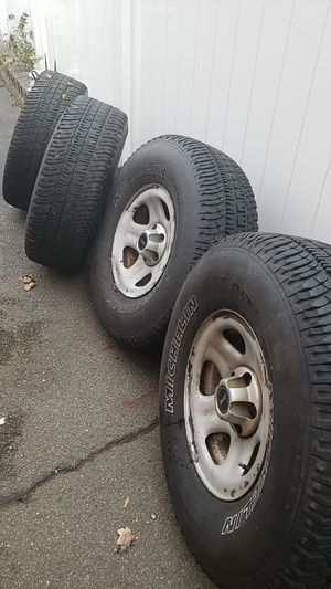 Winter tires in excellent condition with wheels jeep, 5 each one like new for Sale in Revere, MA