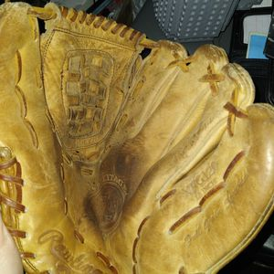 Rawlings 12in Right Hand Softball Glove $20OBO for Sale in San Antonio, TX