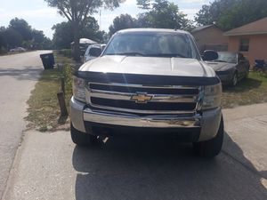 It's a 2007 Chevy Silverado for Sale in Apopka, FL