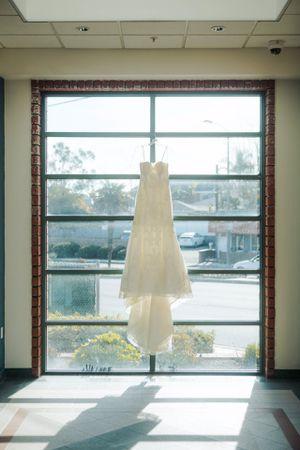 Kirstie Kelly Wedding Dress for Sale in Los Angeles, CA