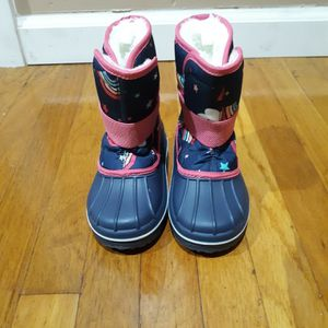Toddler Girl Snow Boots....... Botas De Niña Pequeña Para La Nieve for Sale in Covina, CA