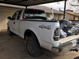 **PARTING OUT**2002 Ford F-150 XL Triton V8 4x4 for Sale in Austin, TX