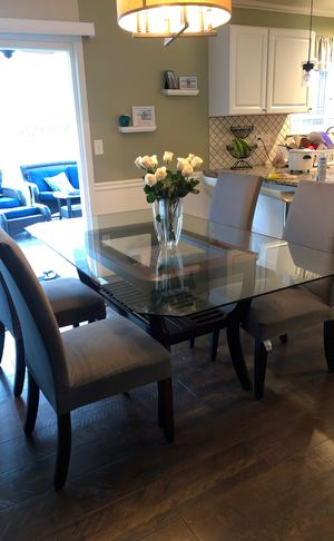 Table and chairs for Sale in Spring Valley, CA