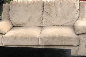 Couch it's excellent condition for Sale in Brandon, FL