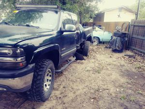 Parting out 2003 chevy z71 4×4 for Sale in San Antonio, TX