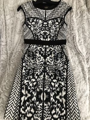 Laundry by Shelli Segal women's black and white form fitting size 2 dress. Hits above knees brand new with tags for Sale in Federal Way, WA