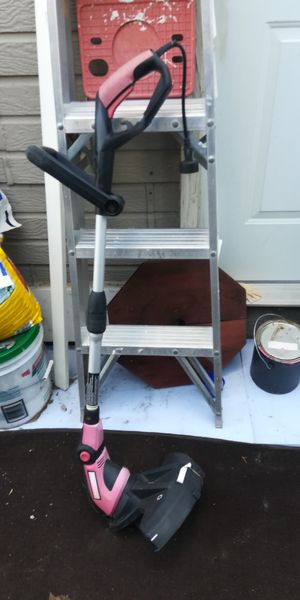 Weed eater/needs a spindle for Sale in Colorado Springs, CO