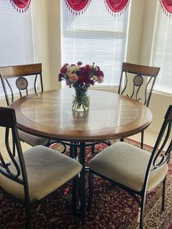 Ashley's Furniture Dining Table Set for Sale in Henderson,  NV