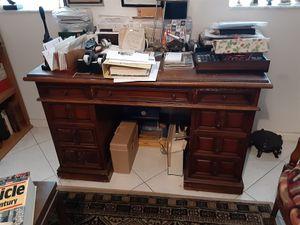 Antique desk for Sale in Coral Springs, FL