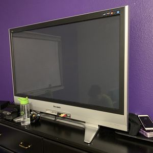 Large Panasonic TV .. Works for Sale in Bothell, WA