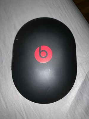 Beats by Dr Dre studio 3 wireless noise cancelling headphones for Sale in Sterling Heights, MI
