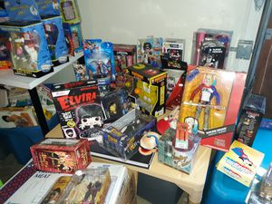 Action figures / collectables for Sale in Federal Way, WA