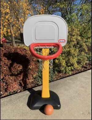 Kids little tikes Basketball hoop for Sale in NO HUNTINGDON, PA