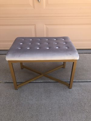 New Adorable Tufted Bench / Ottoman for Sale in Phoenix, AZ