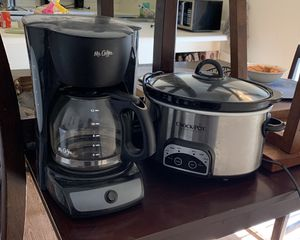 Slow cooker and coffee maker for Sale in Fresno, CA