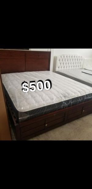 CALI KING BED FRAME W/ MATTRESS for Sale in Lakewood, CA