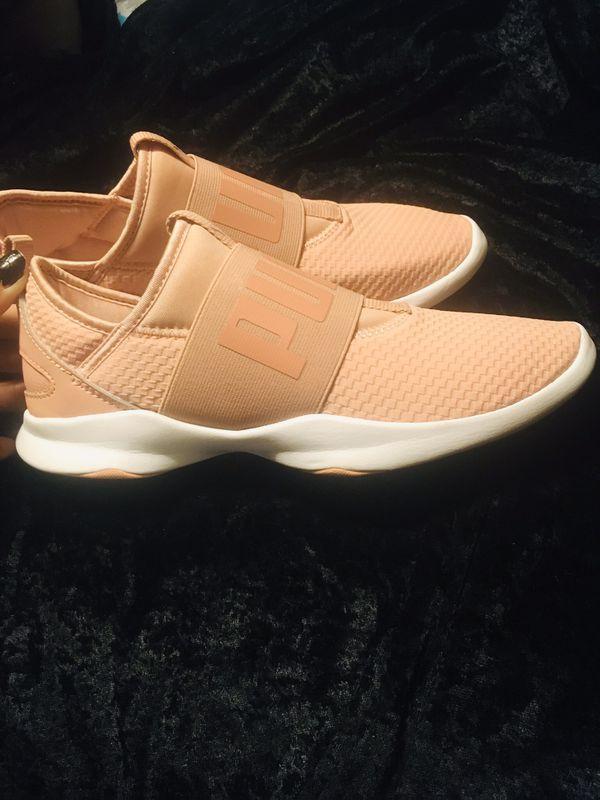 "Women's light pink ""Puma"" sneakers"
