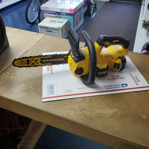 "Dewalt DCCS620 20v 12"" Cordless Chainsaw for Sale in Fort Lauderdale, FL"