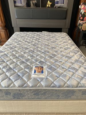 Nice queen 👑 mattress and box spring for Sale in Raleigh, NC