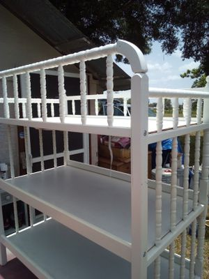 Beautiful Baby Changing Table for Sale in Brooksville, FL