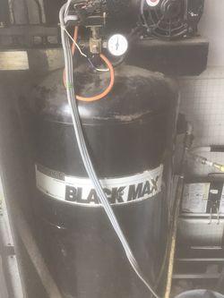 san born black max 5hp air compressor for Sale in Denton,  TX