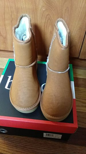 Winter girls boot...size 13..1...2.....Bucco boots for Sale in Pico Rivera, CA