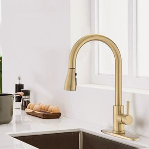 Pull Down Single Handle Kitchen Faucet for Sale in New York, NY