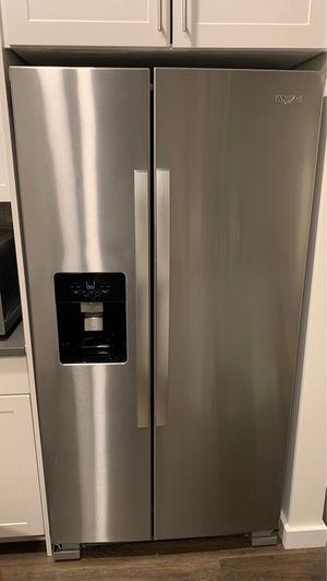 Whirlpool Fridge/Freezer for Sale in Hingham, MA