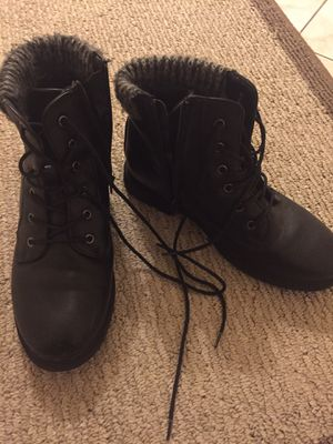 Girl black boots booties size 4 kids for Sale in Los Angeles, CA