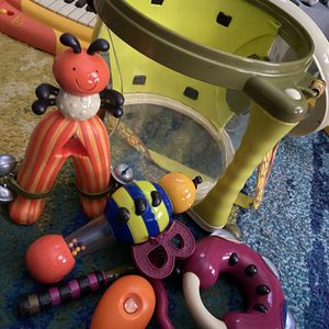 BToys : 7 Piece Toy drum Set for Sale in Nashville, TN