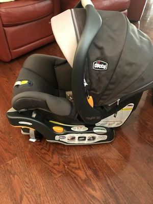 Chicco infant car seat w base and stroller for Sale in Philadelphia, PA