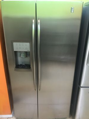 REFRIGERATOR GENERAL ELECTRIC PROFILE STAINLESS STEAL for Sale in Los Angeles, CA