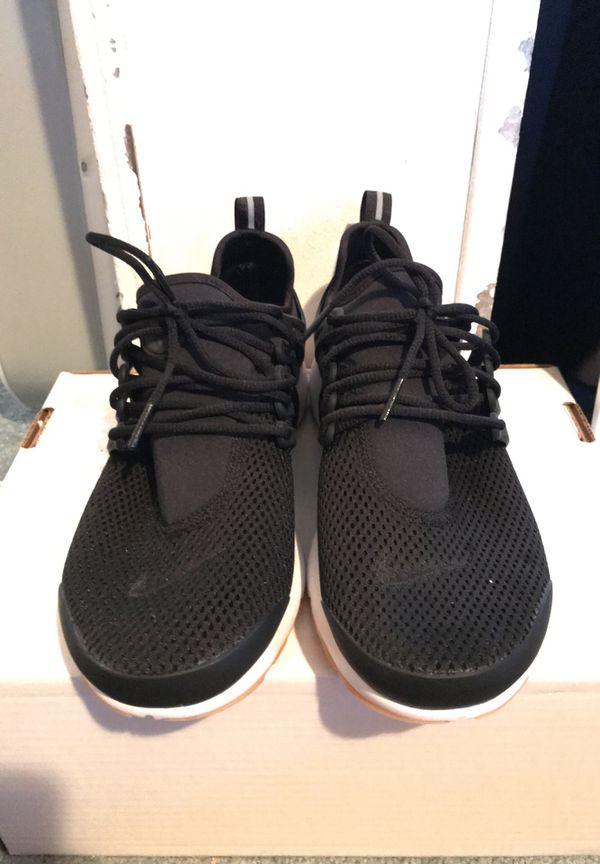 9aa67190edbdfa Nike Women s Prestos. Size 9. for Sale in Auburn
