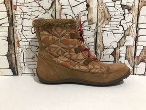 Columbia Women Size 12 Snow Boots for Sale in Denver, CO